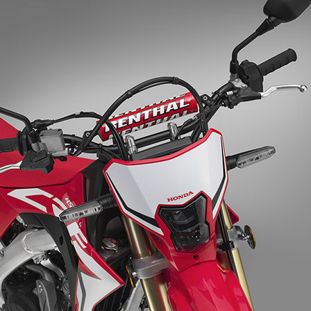 CRF450L, grande plano do guiador