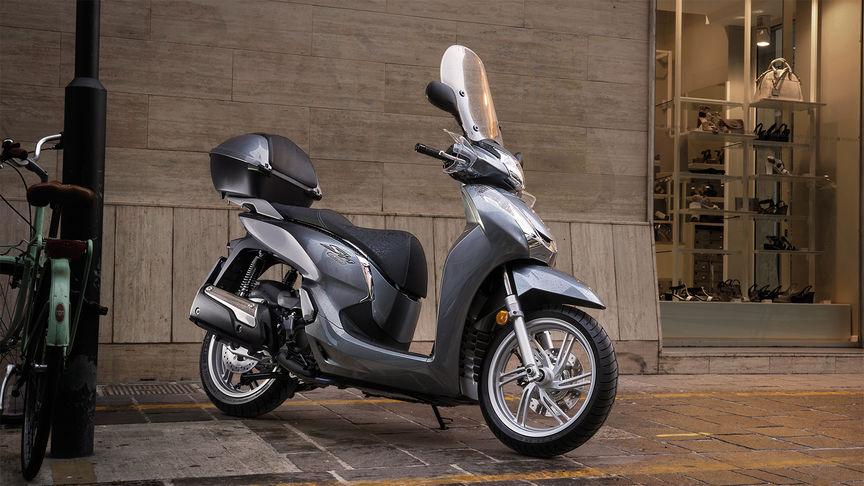 Descrição geral - SH300i - Scooter - Gama - Motos - Honda